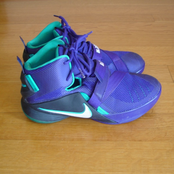brand new a9bad ae903 NIKE Lebron Soldier 9 IX (Size 6Y) Purple Sneakers